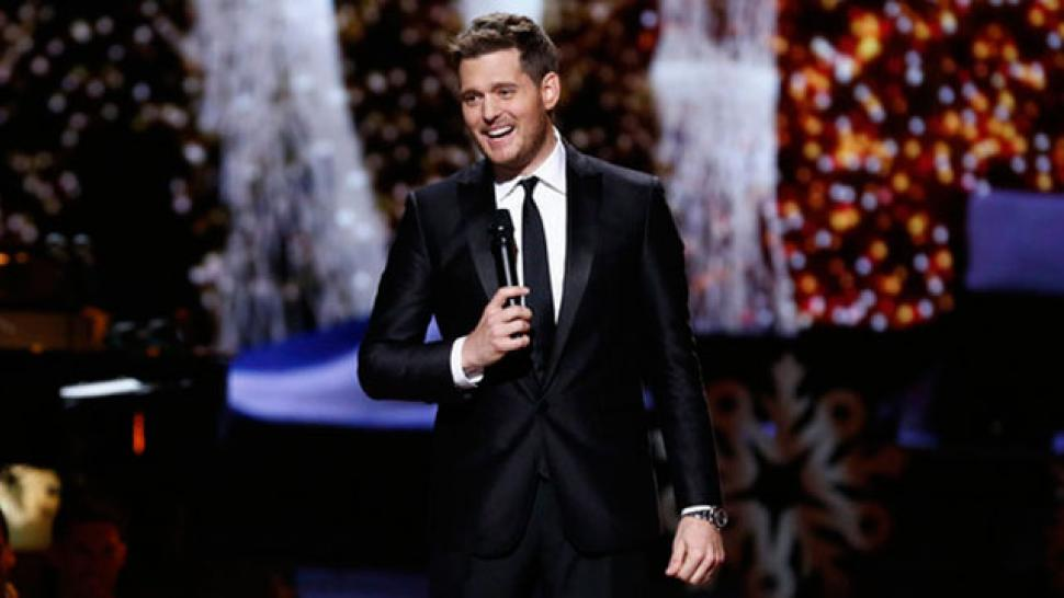 Nbc Michael Buble Christmas Special 2021 Sneak Peek Michael Buble Wants You To Fall In Love With Him This Christmas Entertainment Tonight