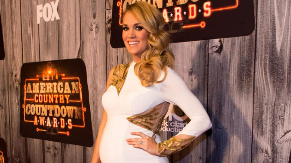 Hot Mama! Carrie Underwood Shows Off Her Baby Bump in Skin-Tight ...