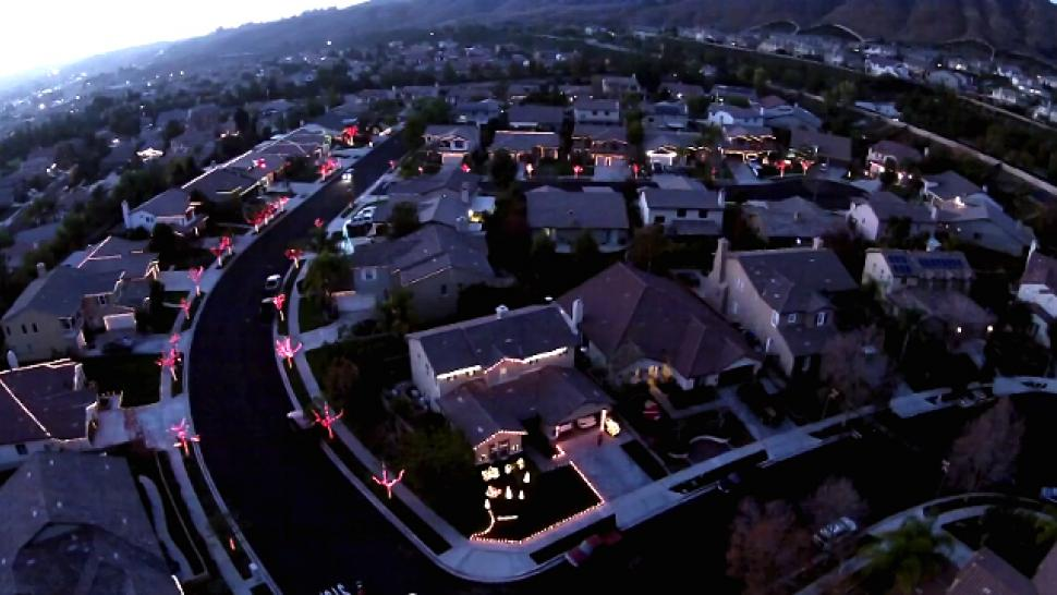 An Entire Neighborhood Teamed Up to Create the Most Insane Christmas ...