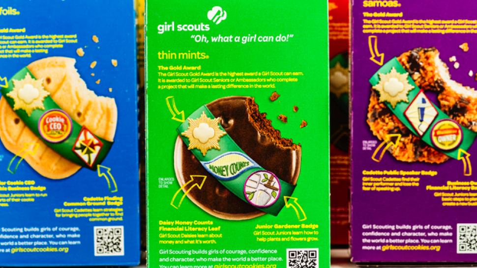 you can now buy girl scout cookies online its a christmas miracle - What To Buy A Girl For Christmas
