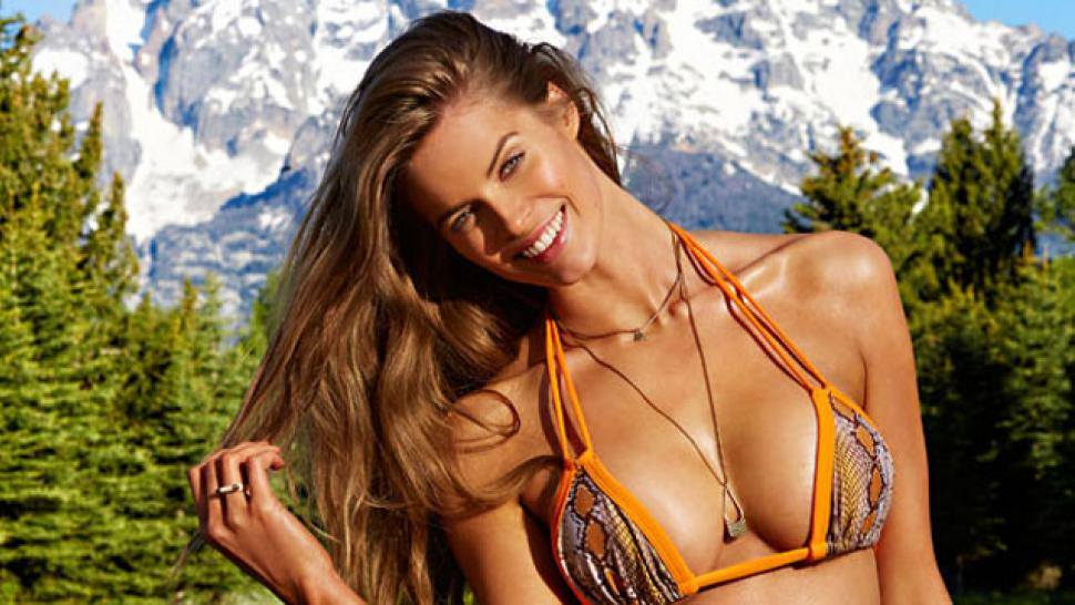 e9ee0268804f3 Robyn Lawley Is the Real First Plus-Size Model in  Sports Illustrated