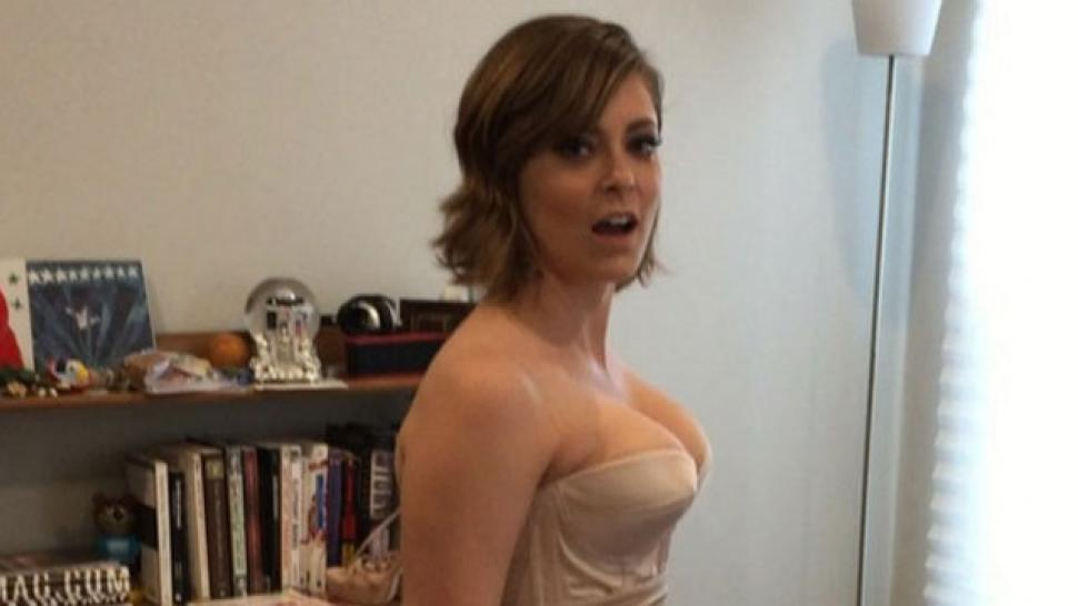 Crazy-Ex Girlfriend Star Rachel Bloom Shares Bouncy