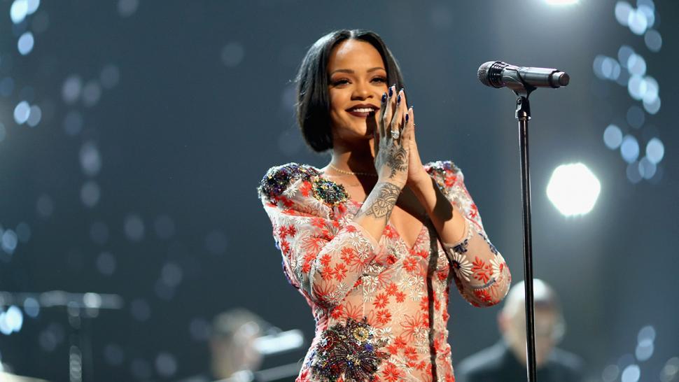 Rihanna to Receive Michael Jackson Video Vanguard Award at MTV Video