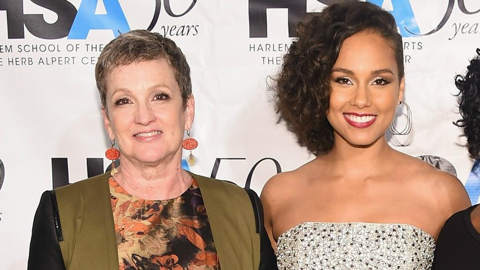 Alicia Keys To Honor Her Mom During Dear Mama Mother S Day Event