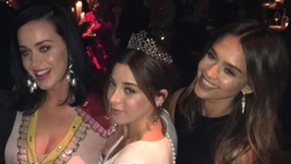 Katy Perry, Kate Hudson, Jessica Alba & More Attend ...