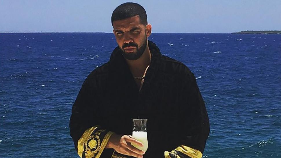 The Good Life Drake Shows Off Buff Body In Shirtless Pool Pics