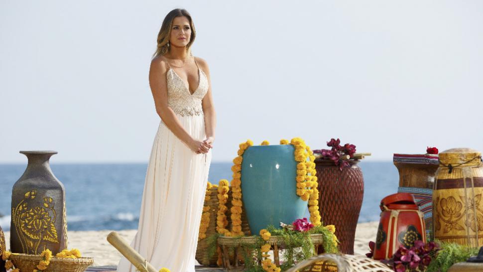 Exclusive Jojo Fletcher S Fashion Secrets How She Chose All Her Stunning Bachelorette Looks