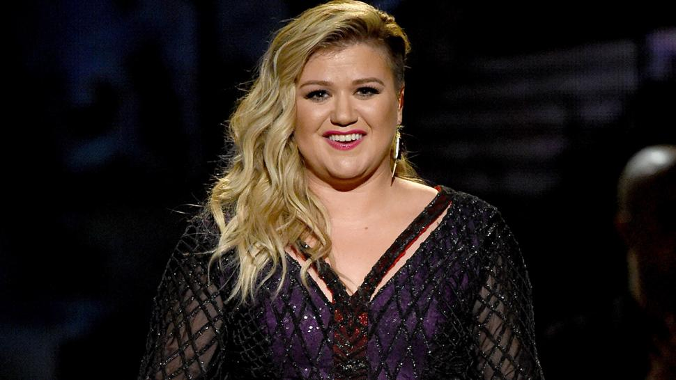 Kelly Clarkson Opens Up About Clive Davis Feud: \'I Was Told I Should ...
