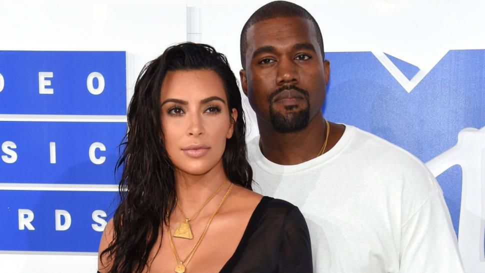 Kanye West Surprises Kim Kardashian With Bouquets Of Floating Flowers For 3 Year Wedding Anniversary