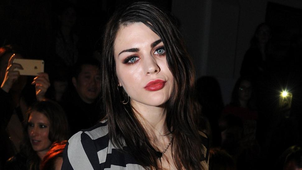 Frances Bean Cobain To Pay 48000 In Temporary Spousal Support