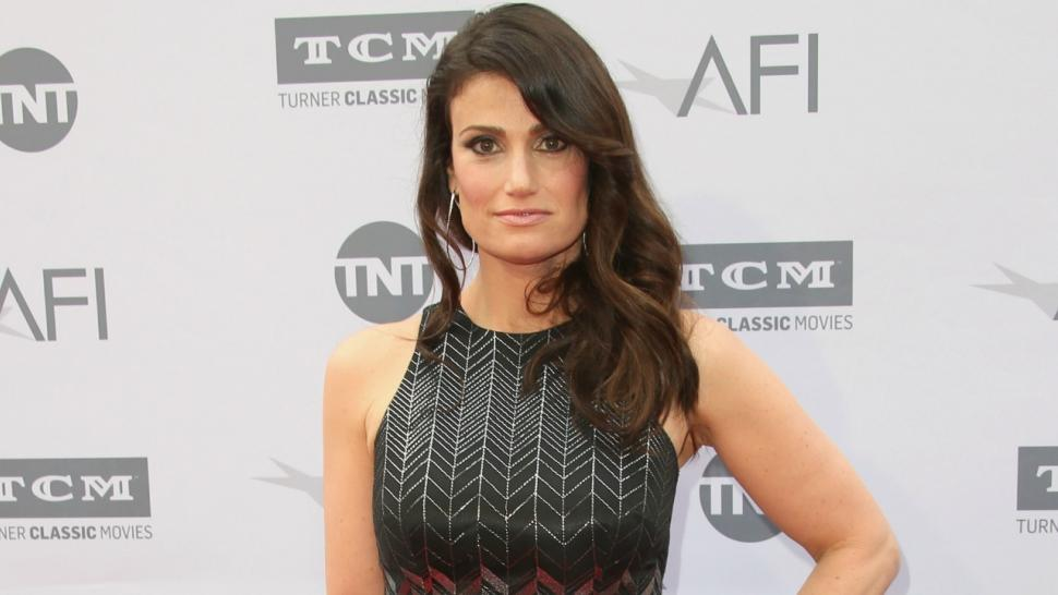 Idina Menzel gets married