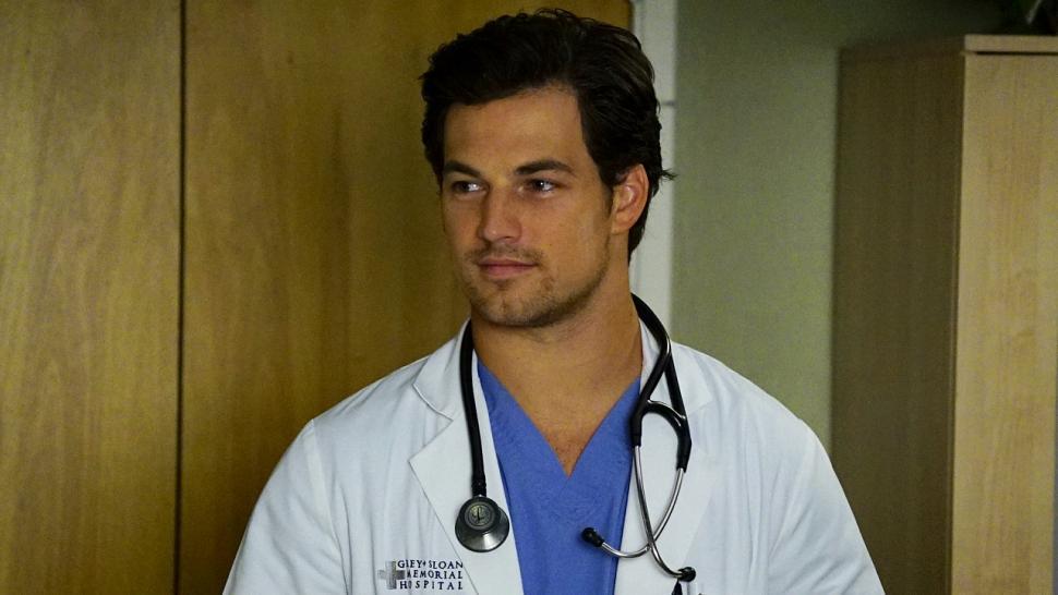 Exclusive Greys Anatomy Star Giacomo Gianniotti Dishes On
