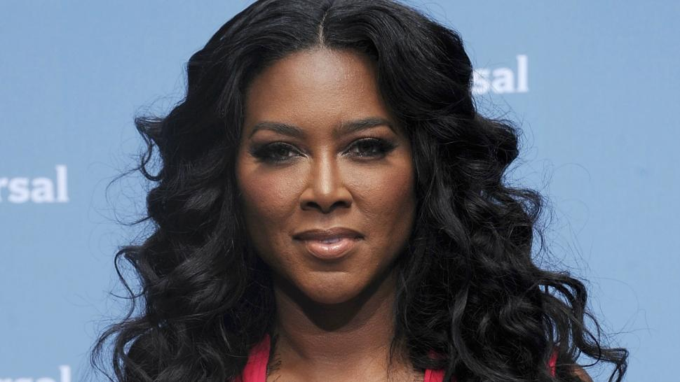 Kenya Moore Threatens To Shoot Three Trespassers We On Level