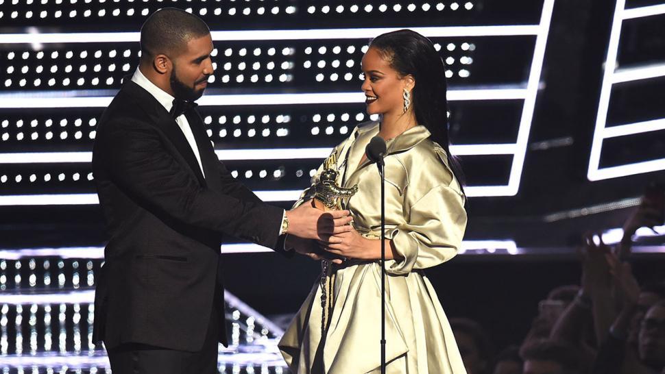 Drake Wishes Ex Rihanna Happy Birthday Says Shes Somebody I Have