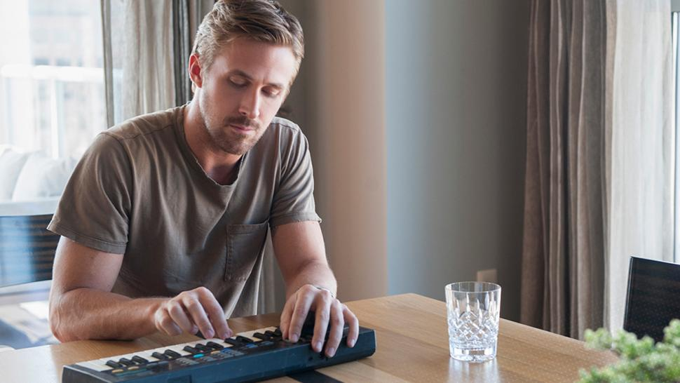 Watch Ryan Gosling Channel His 'La La Land' Piano Skills ...