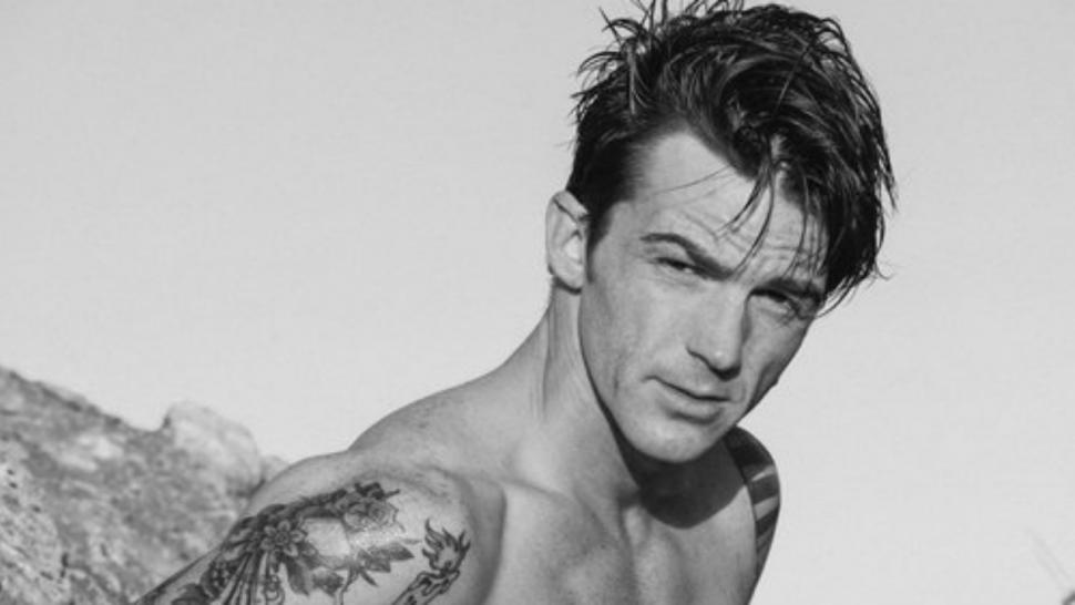 Drake Bell Shows Off Six Pack Abs Amid Feud With Drake Josh Co Star Josh Peck