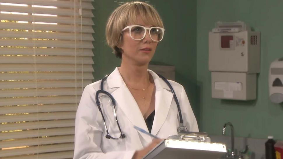 Kristen Wiig and Jimmy Fallon Play Doctor in Hilarious New 'Mad Lib
