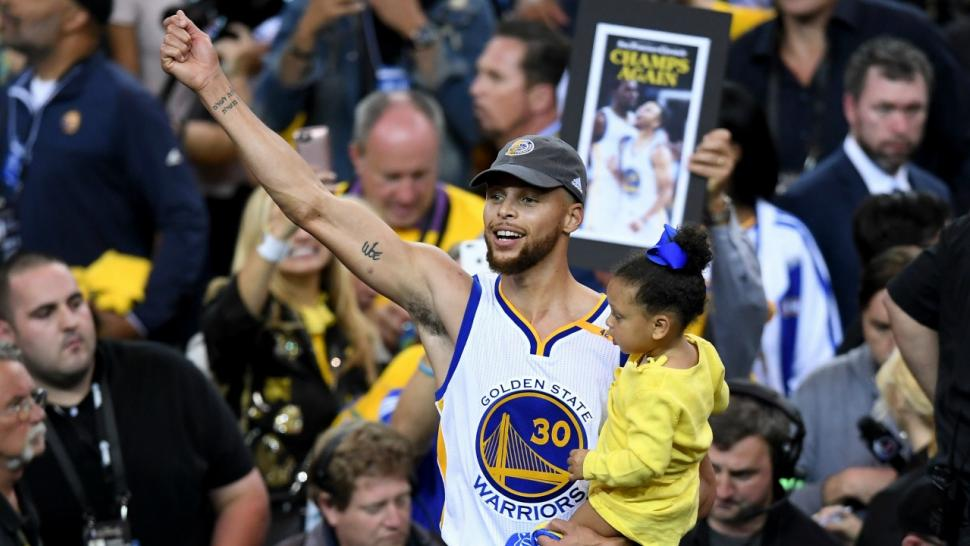 Steph Curry Celebrates With Adorable Daughters Riley & Ryan After Golden State Warriors Win NBA ...