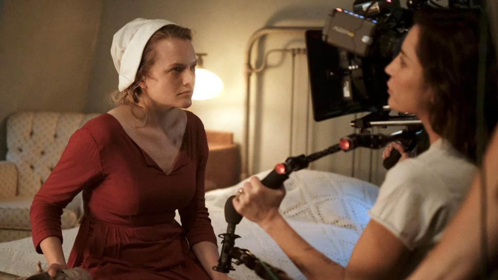 exclusive 39 the handmaid 39 s tale 39 boss teases expanded world in season 2 entertainment tonight. Black Bedroom Furniture Sets. Home Design Ideas