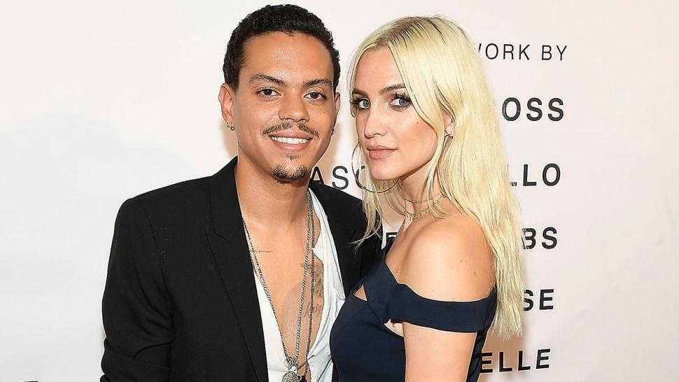 Ashlee simpson stuns piles on the pda with husband evan for Ross craft show 2017