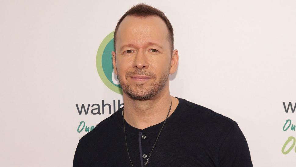 Donnie Wahlberg Leaves $2,000 Tip at Waffle House: 'My Mom Waited Tables,  My Dad Tended Bars'