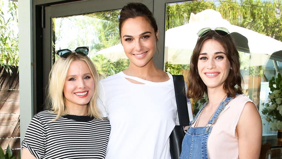 Star Sightings Kristen Bell Gal Gadot Party With A Conscience Jessica Simpson Celebrates Her B Day And Mor Entertainment Tonight