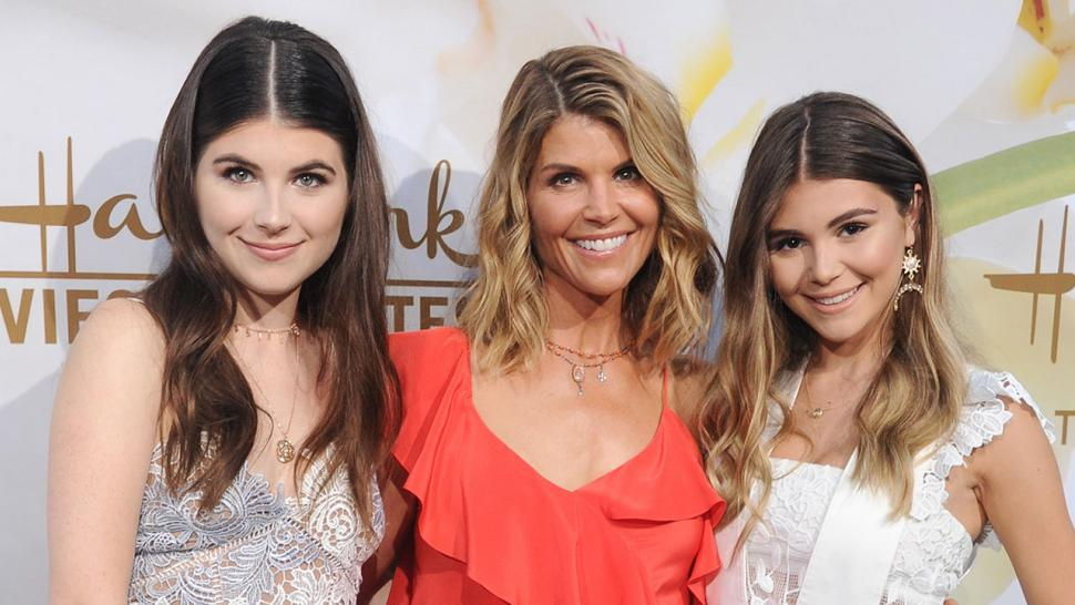 Laurie Lorrie Whats In Name >> Lori Loughlin Bio Kids Husband Net Worth Daughters And Family Life