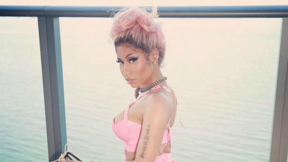 Nicki Minaj Slays In Pink Latex Outfit See The Racy