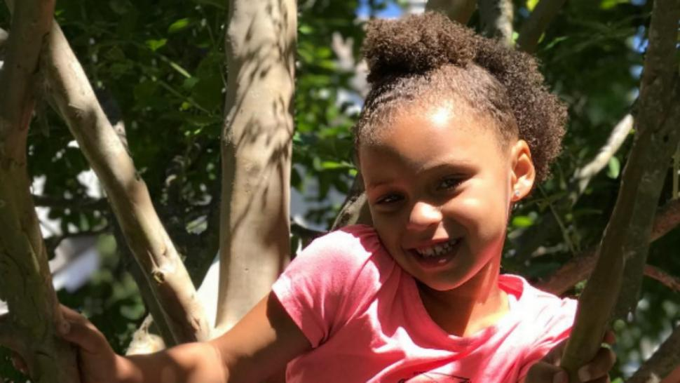 riley curry celebrates 5th birthday with a unicorn