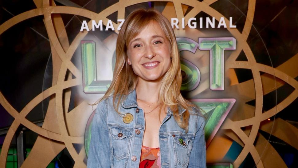 'Smallville' actress Alison Mack pleads not guilty to sex trafficking