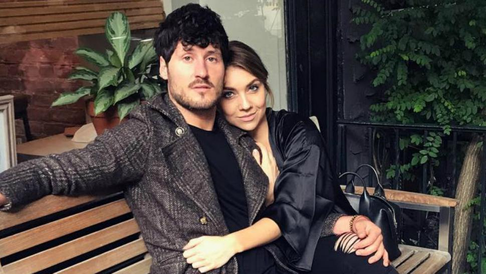 Val Chmerkovskiy And Jenna Johnson Teach A Dance Class Together Cuddle Up In New Pda Pics Entertainment Tonight
