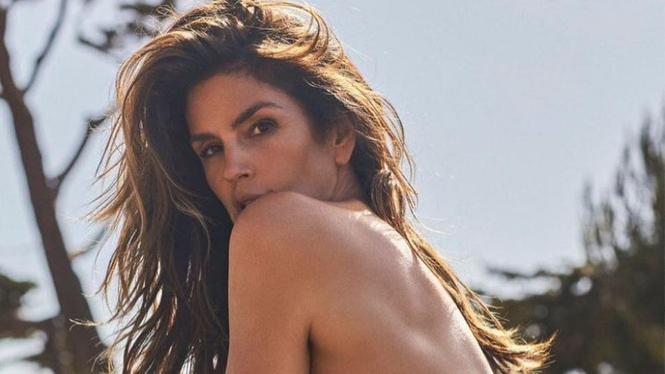 cindy_crawford_topless_instagram