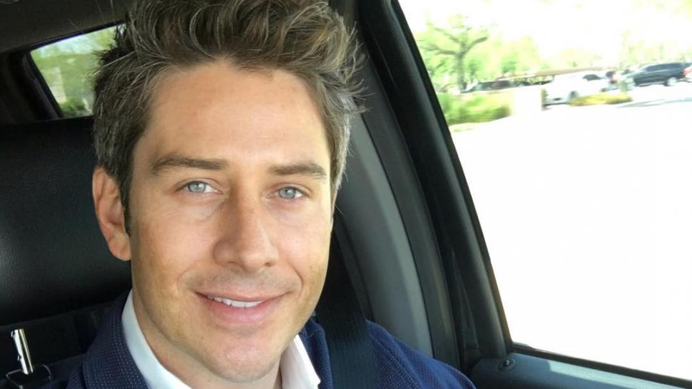 ARIE_LUYENDYK_JR_SELFIE_CAR_INSTAGRAM
