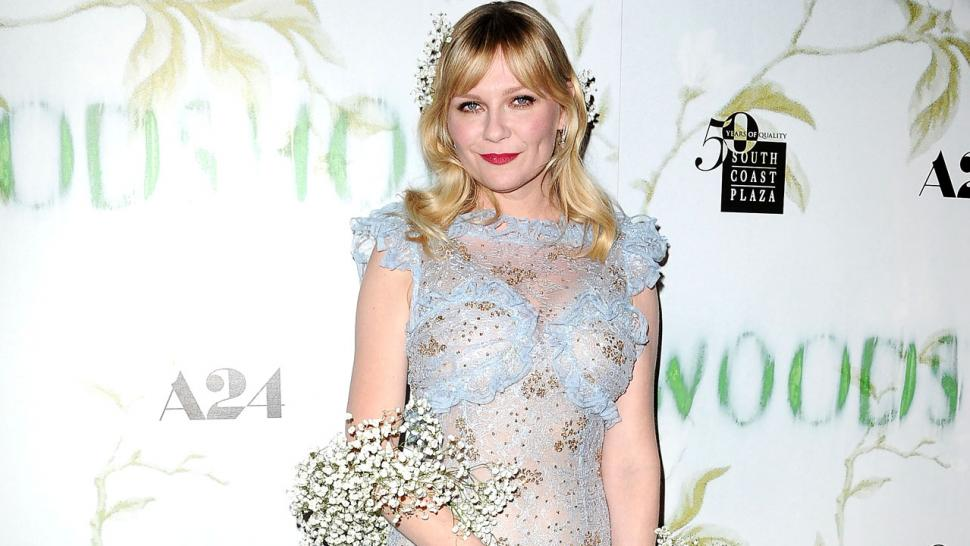Kirsten Dunst in Baby's Breath Boa