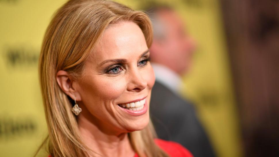 Why Cheryl Hines Was Happy to Return to 'Curb Your ...