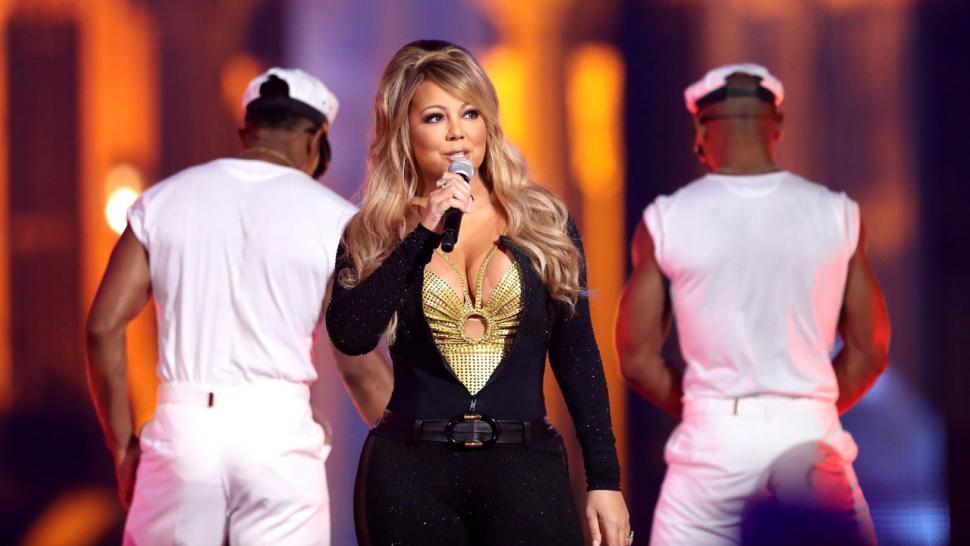 Mariah Carey Christmas Song.Mariah Carey Shares New Christmas Song The Star Featuring