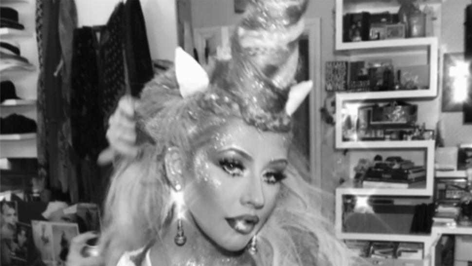 Christina Aguilera dresses as a unicorn