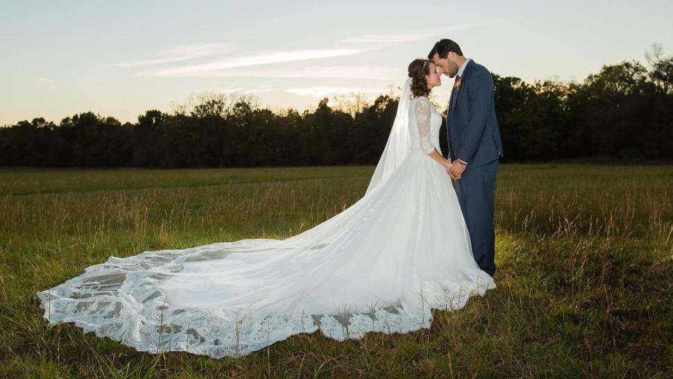 Jinger Duggar Wedding Dress.Counting On Couple Jinger Duggar Jeremy Vuolo Celebrate First