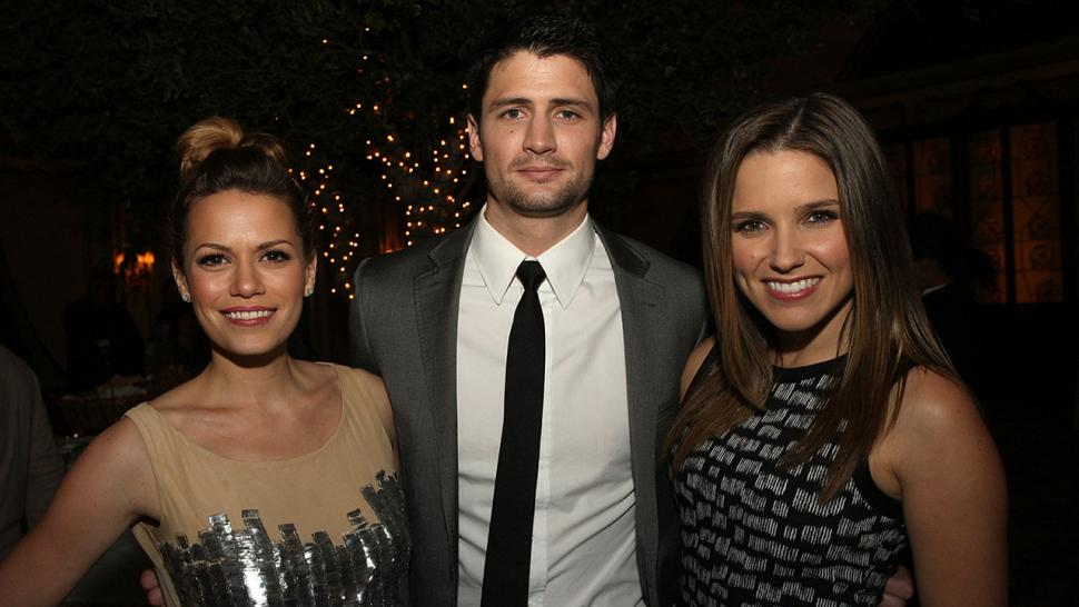 Sophia bush is dating james lafferty