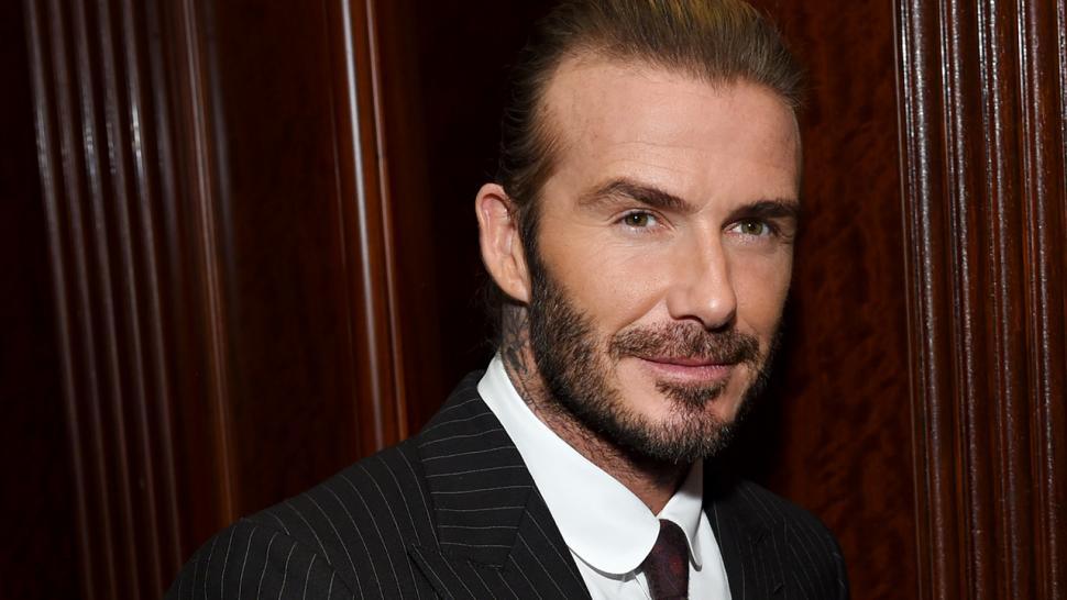 David Beckhams Daughter Harper Adorably Washes His Hair Watch