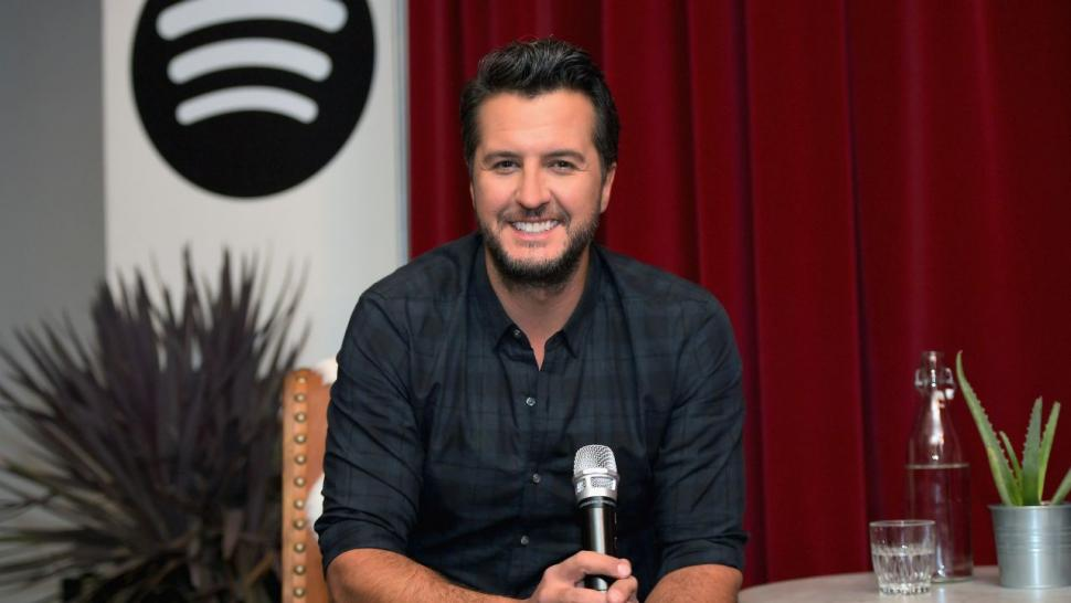luke_bryan_what_makes_me_country