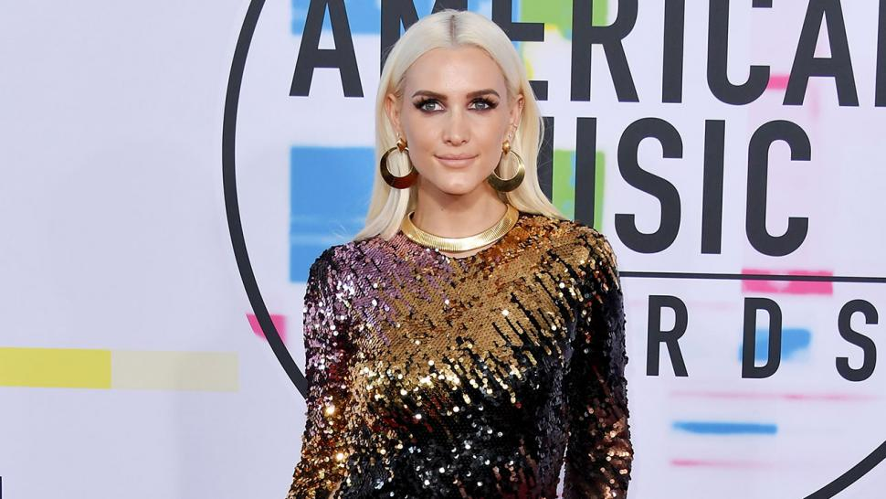 Ashlee Simpson at 2017 American Music Awards