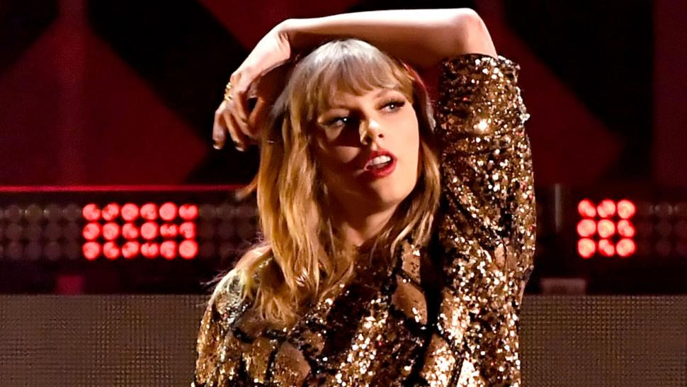 Taylor Swift Barefoot in Subway, Fancy-Free in Rain in New Delicate Video