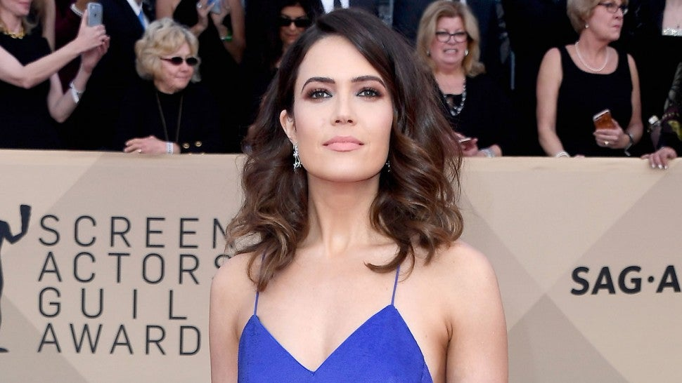 mandy moore is not ok after watching this is us super bowl