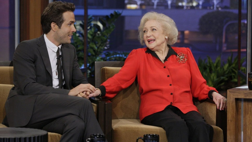 ryan_reynolds_betty_white_gettyimages-140759629.jpg