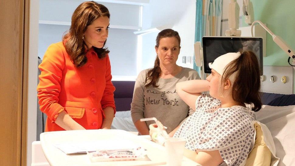 Kate Middleton meets patients