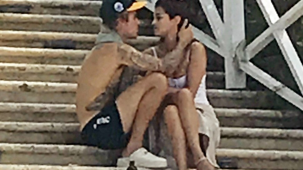 Justin Bieber and Selena Gomez show PDA in Jamaica.