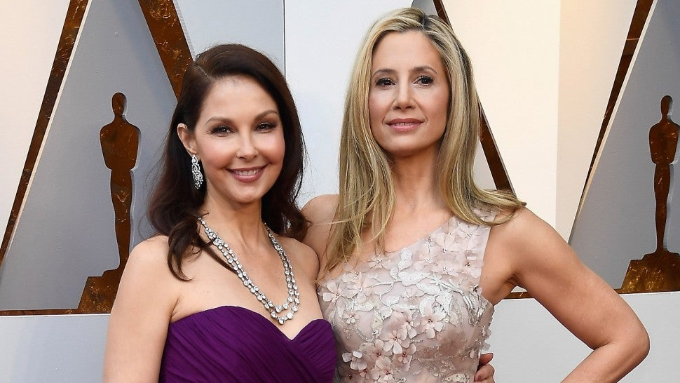 Weinstein accusers Ashley Judd and Mira Sorvino walk Red Carpet together