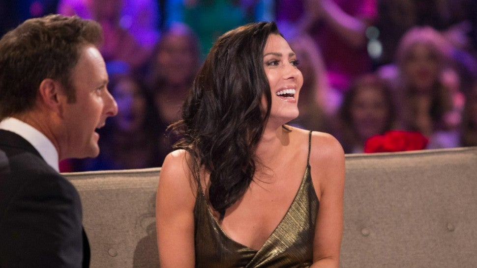 The Bachelorette producers live-tweeted Becca Kufrin's night one experience
