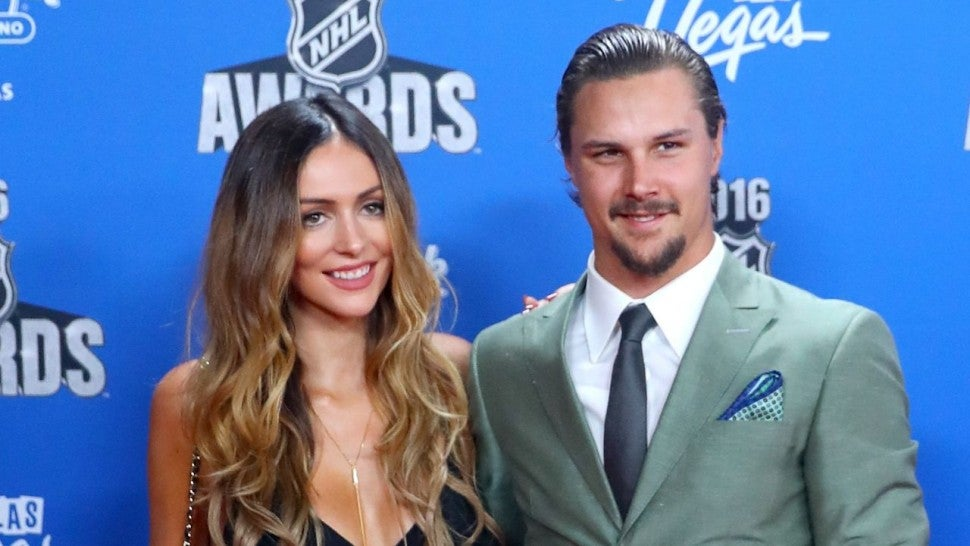 Senators announce Erik Karlsson and his wife, Melinda, have lost their son